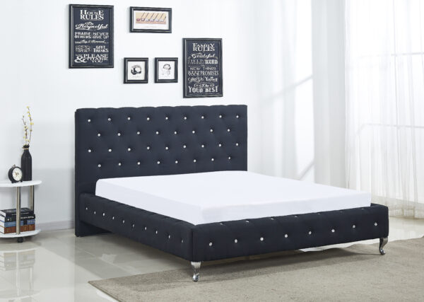 Diamond Buttoned Bed
