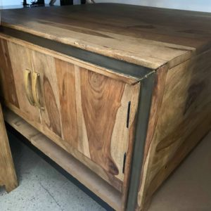 timber coffee table that is new